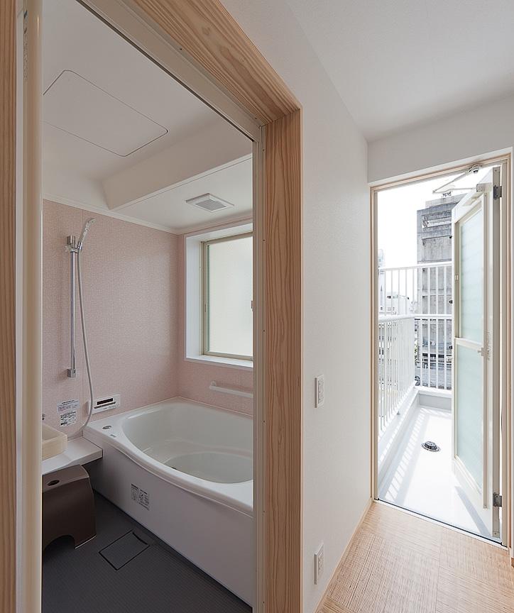 浴室とテラス